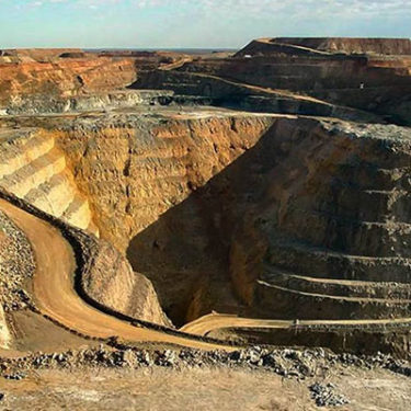 Extractive industries lead demand for credit and political risk insurance