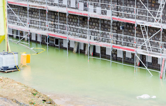 Zurich cuts capacity for unprofitable construction risks
