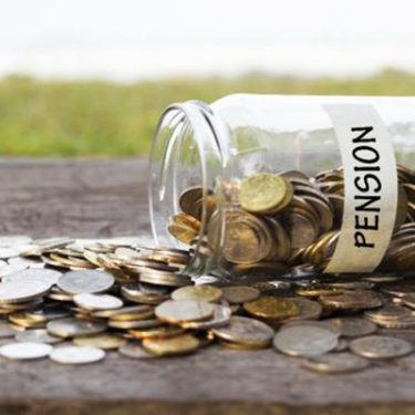 Companies set to transfer pension risk to insurers